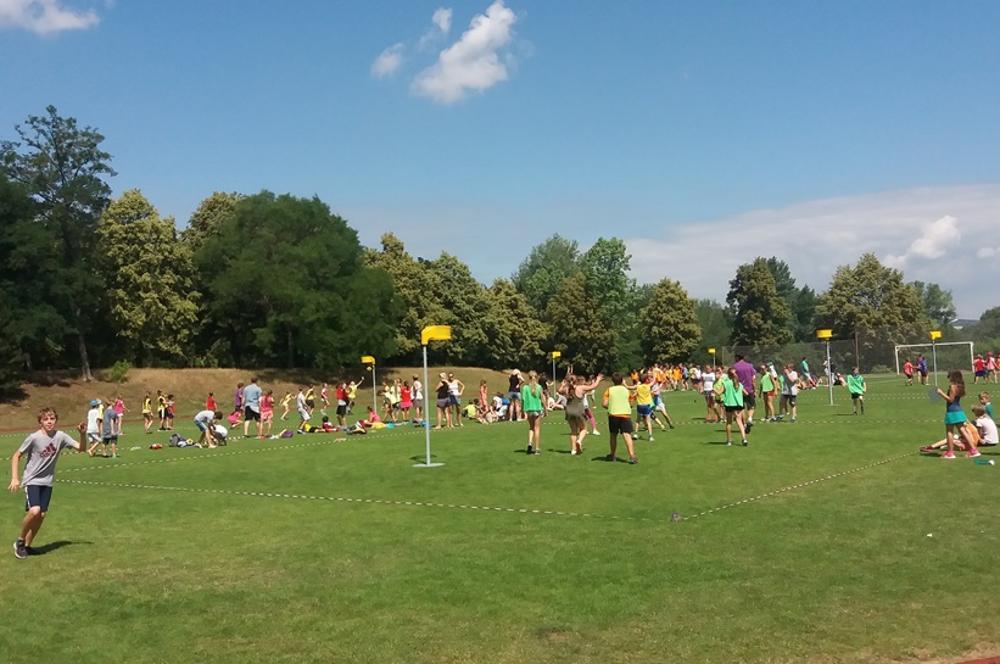 Na Bystrckém korfbalovém turnaji dominovaly domácí týmy z Laštůvkové
