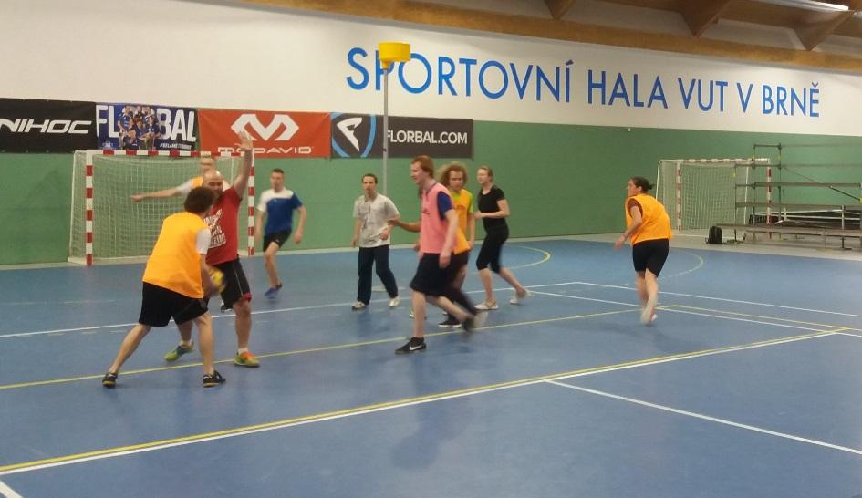 Korfbal opět součástí výuky netradičních her na VUT v Brně