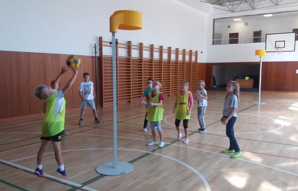 Na ZŠ Bosonožské i letos korfbalové ukázky zkraje školního roku