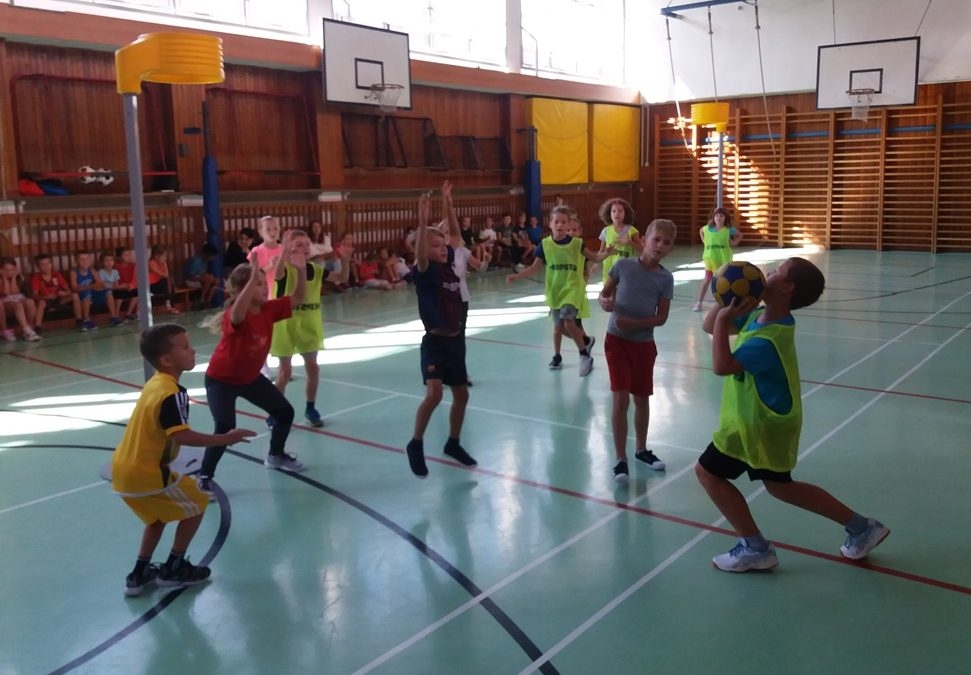 První letošní korfbalové ukázky v Brně se odehrály na ZŠ Laštůvkova v Bystrci