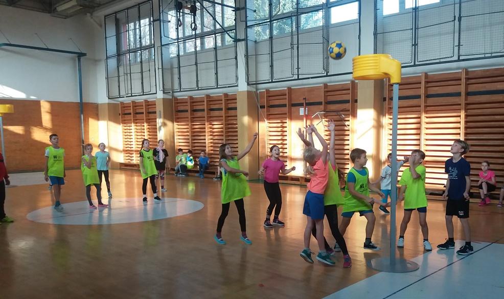ZŠ Heyrovského opět pokračuje v korfbalovém programu