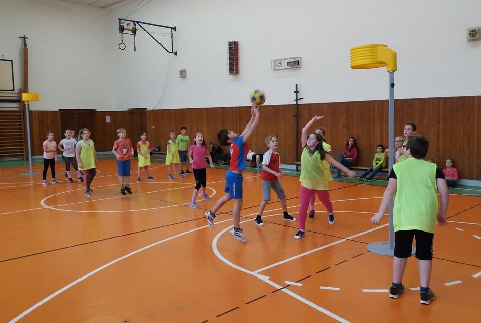 ZŠ Vejrostova z Brna-Bystrce pokračuje v tradici korfbalu pro čtvrťáky