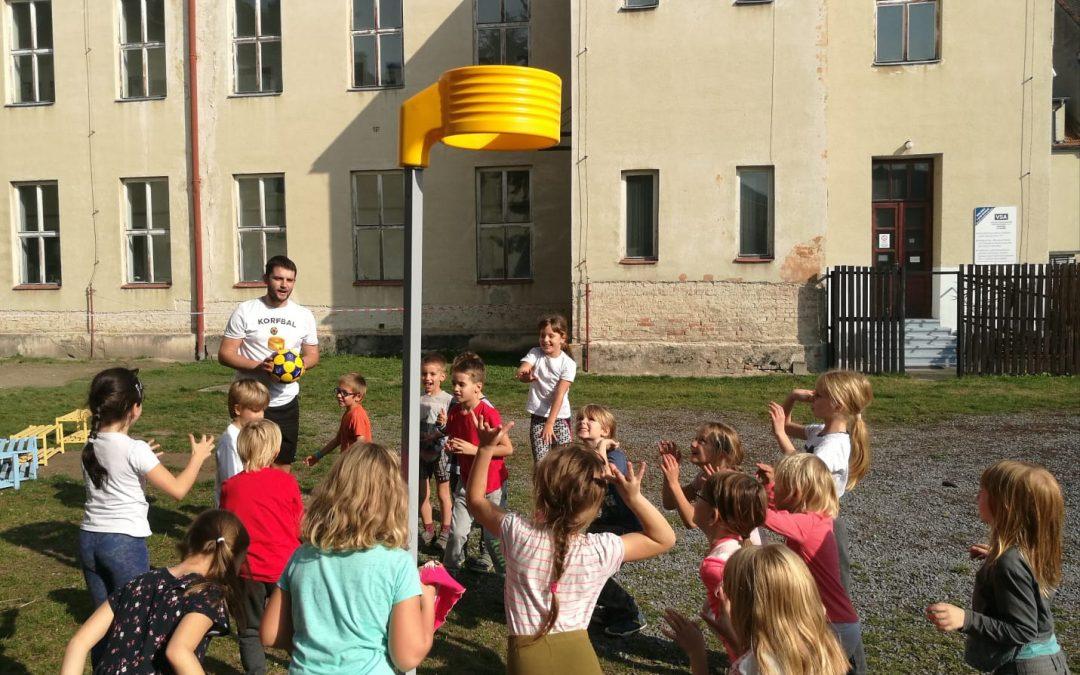 Zájem o korfbal na unikátní ZŠ Filipka v Brně