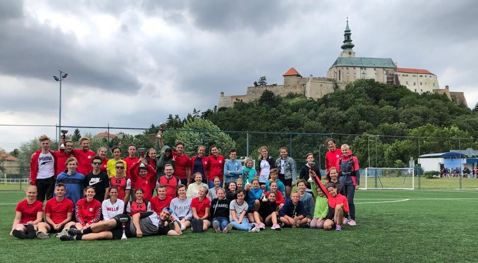 Brněnští žáci vyrabovali Mezinárodní korfbalový víkend v Nitře